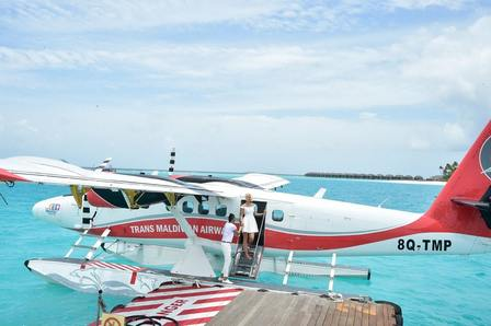 Arriving by seaplane - SUN SIYAM IRU FUSHI - Maldives